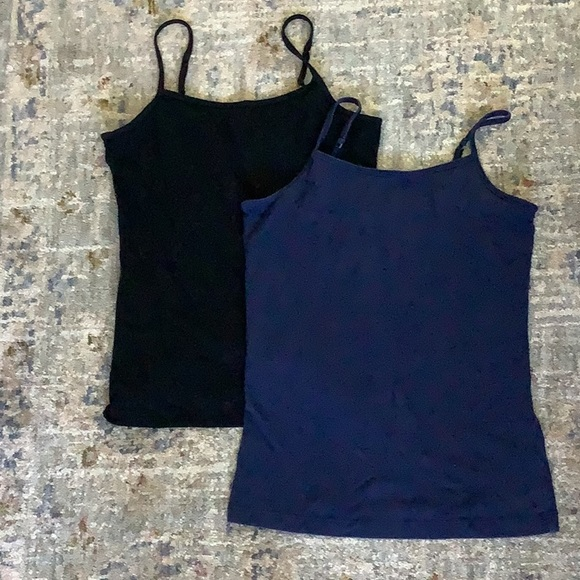 2 tank tops (black and blue) size M